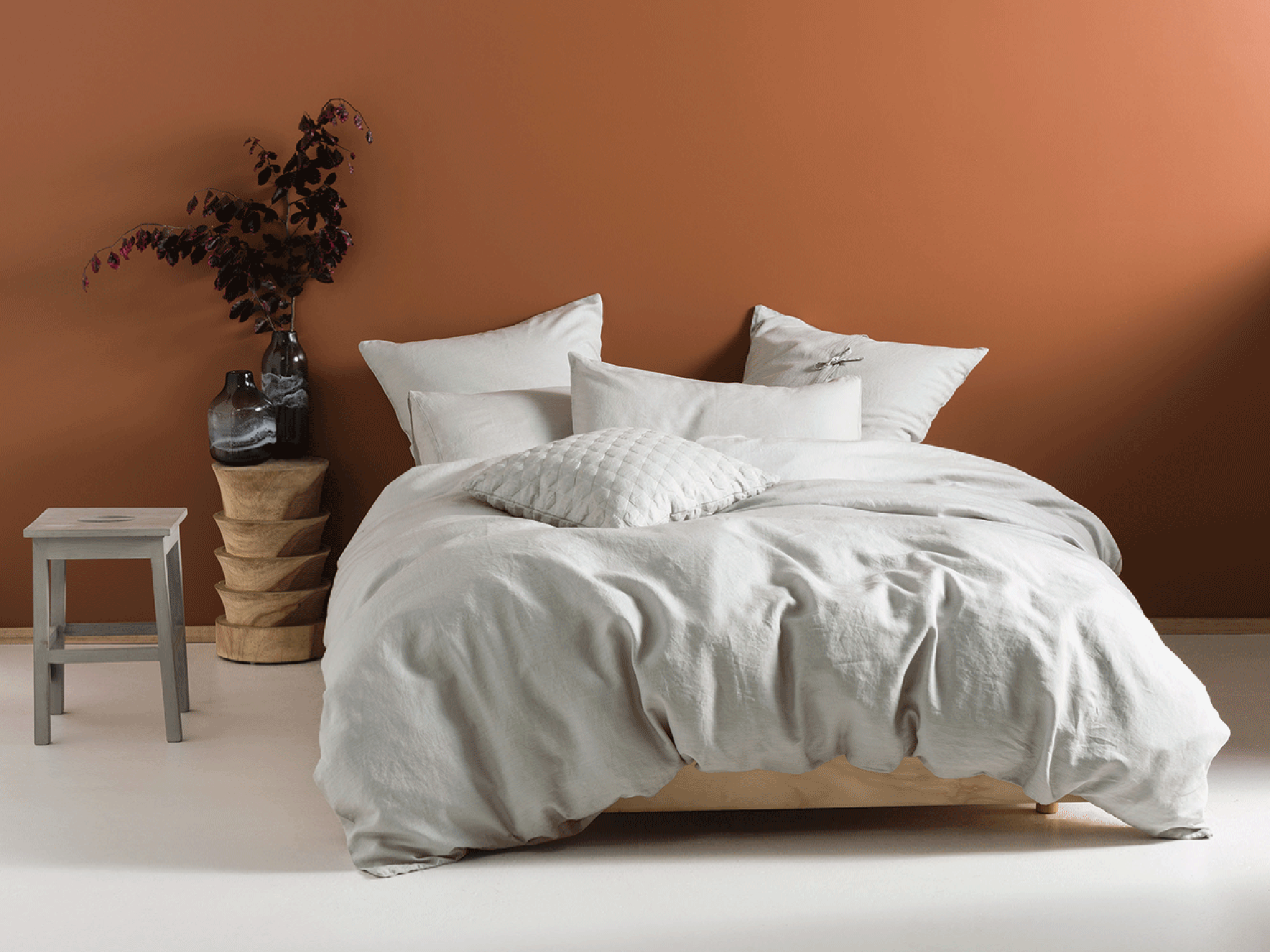 Is Linen Or Cotton Better For Bedding?